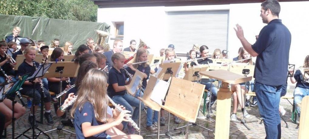 Musikalische Ferien mit der Jugendkapelle HULA